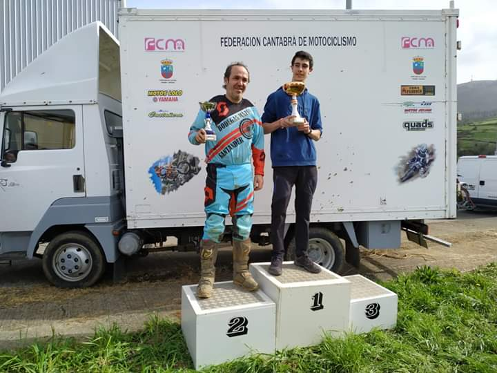 Campeonato cántabro de Motocross. Equipo Bodegas Mazón